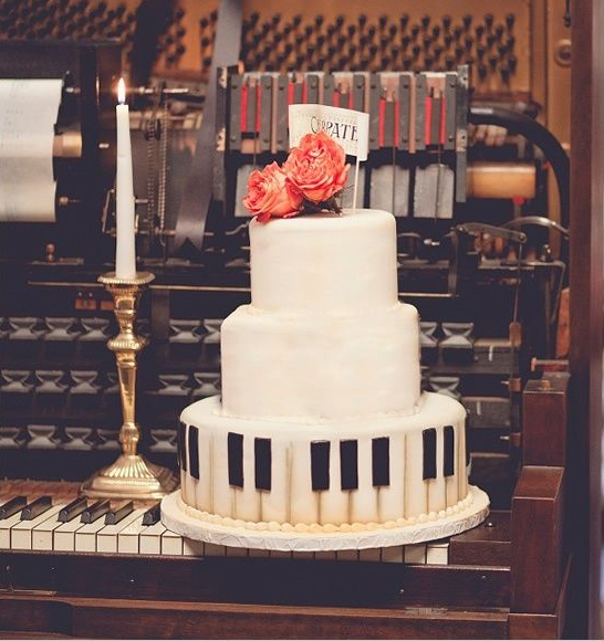 PianoWeddingCake